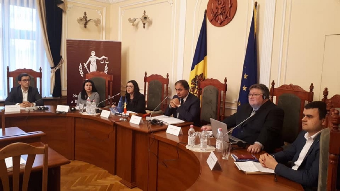 """international IDEA presents at """"Particularities of the Electoral Laws application in Parliamentary Elections"""" in Chisinau, Moldova. Image credit: Natalia Iuras, International IDEA"""