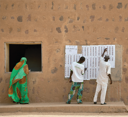 Malians vote in 2013 presidential election