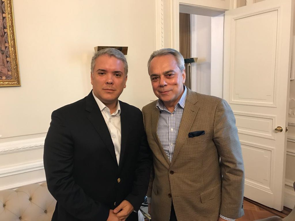 ColombiaPresident Iván Duque (left) with International IDEA Regional Director for Latin America and the Caribbean Daniel Zovatto.
