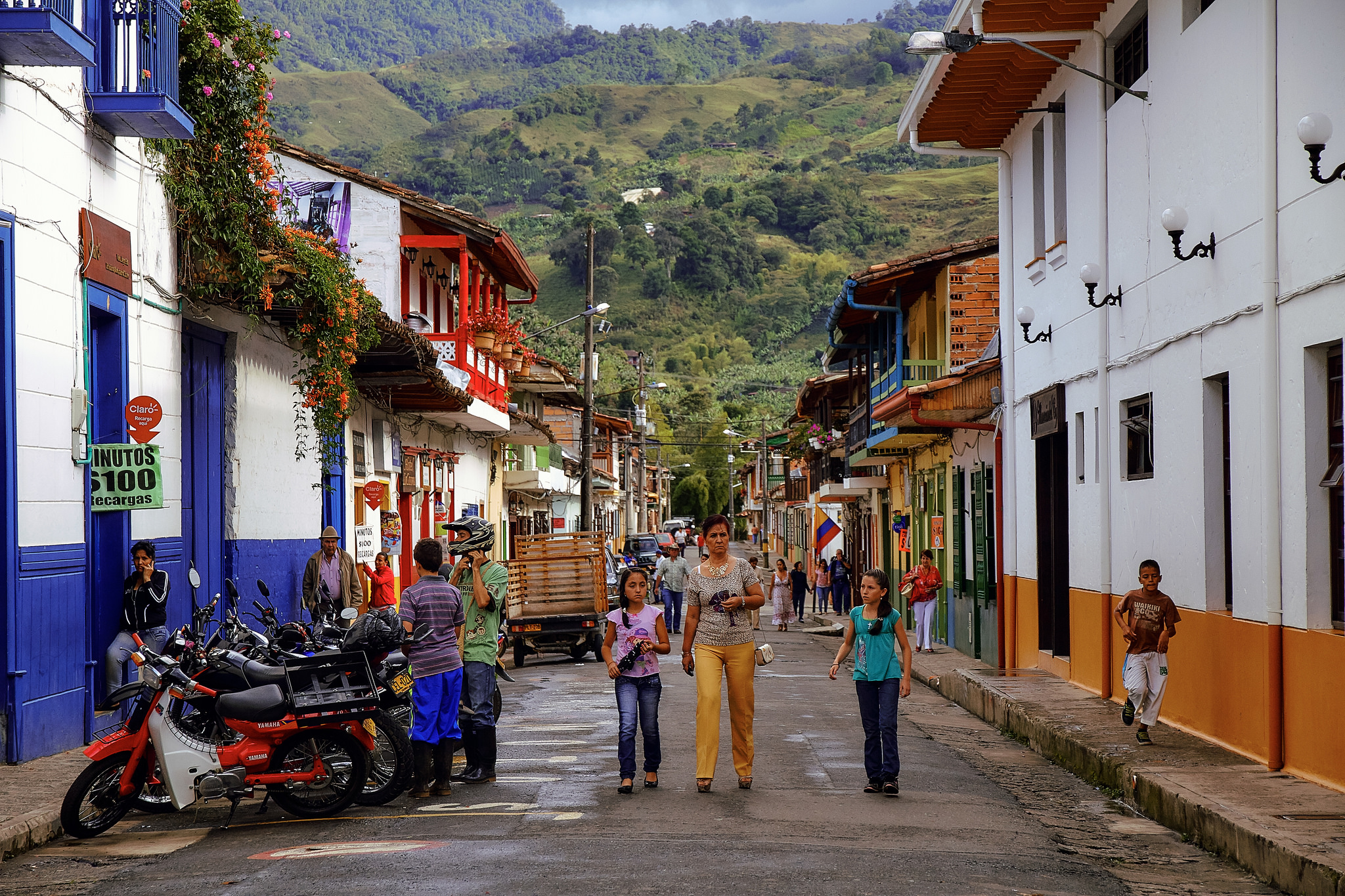 Colombia streets. Photo credit: Pedro Szekely Flickr