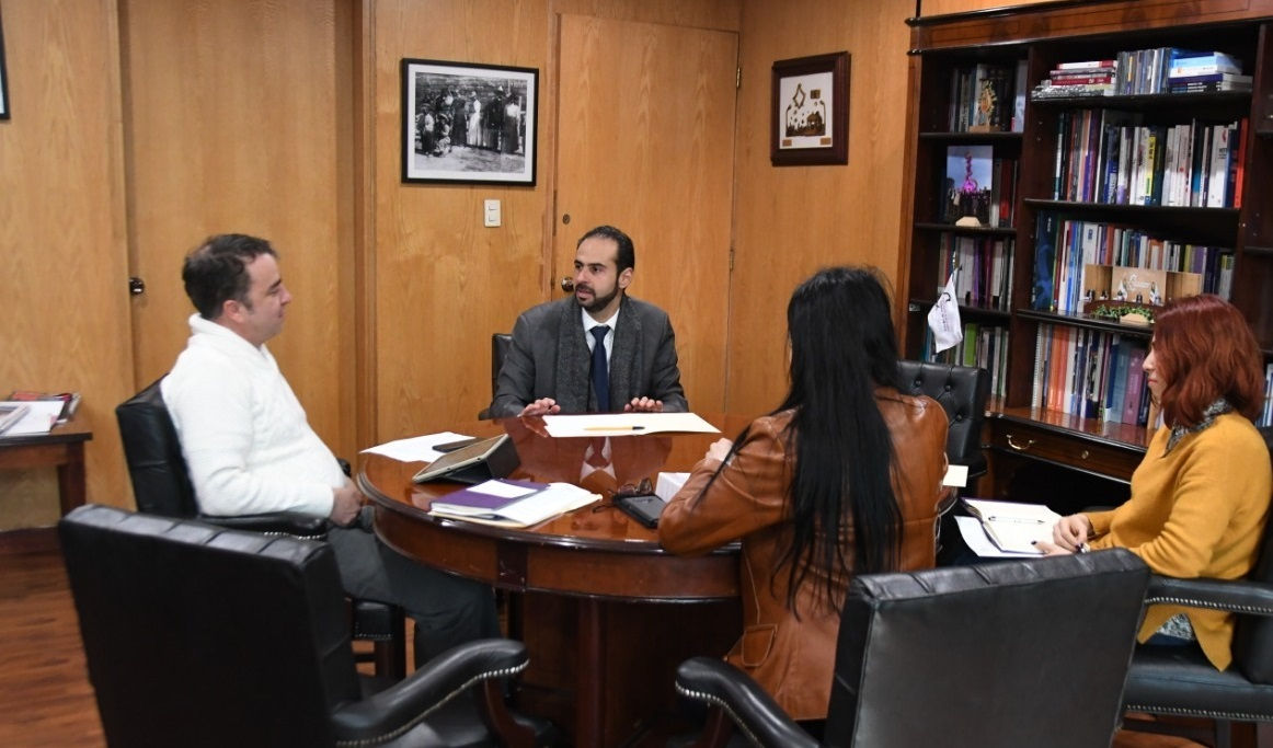 Miguel Angel Lara Otaola, Head of Programme for the Mexico and Central America Office, International IDEA meeting with Yuri Beltrán Miranda, Councillor of Mexico City's Electoral Institute.