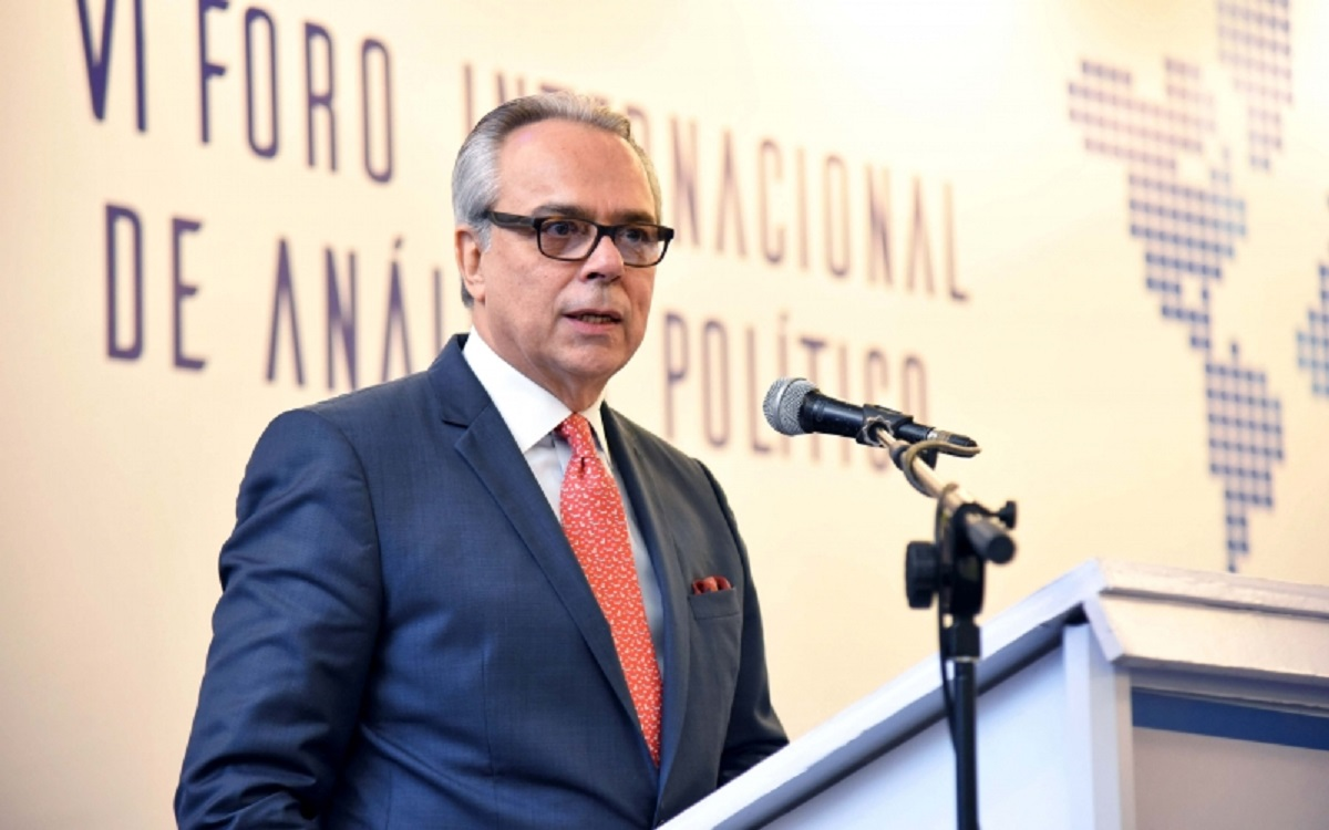 Daniel Zovatto, Regional Director for Latin America and the Caribbean of International IDEA, during his inaugural lecture at the VI International Forum on Political Analysis. (Photo credit: Fusades Press)