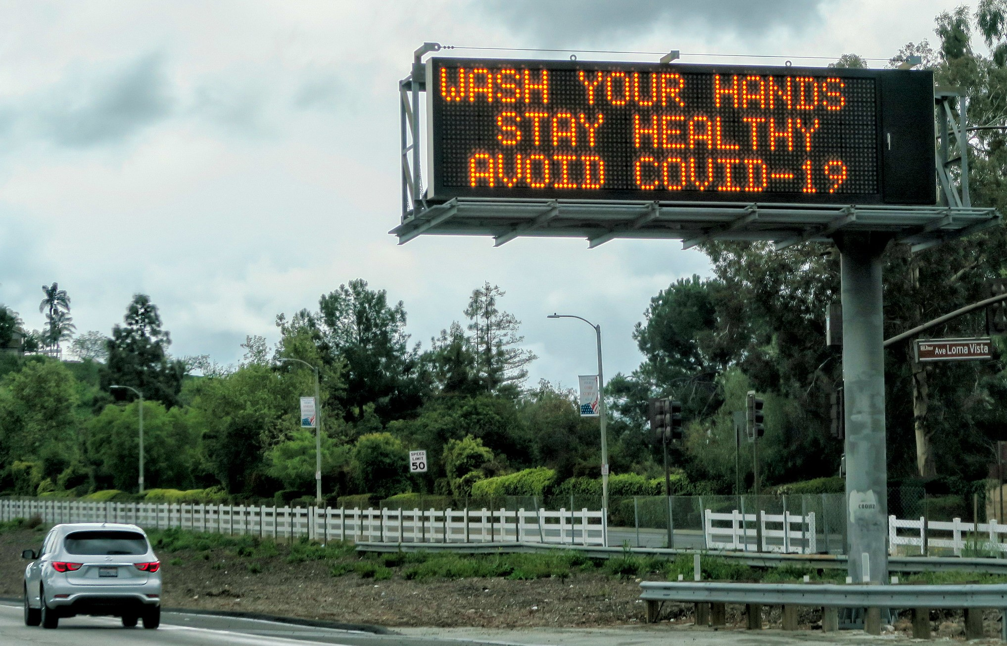 Freeway coronavirus warning on California.  Image credit: Russ Allison Loar