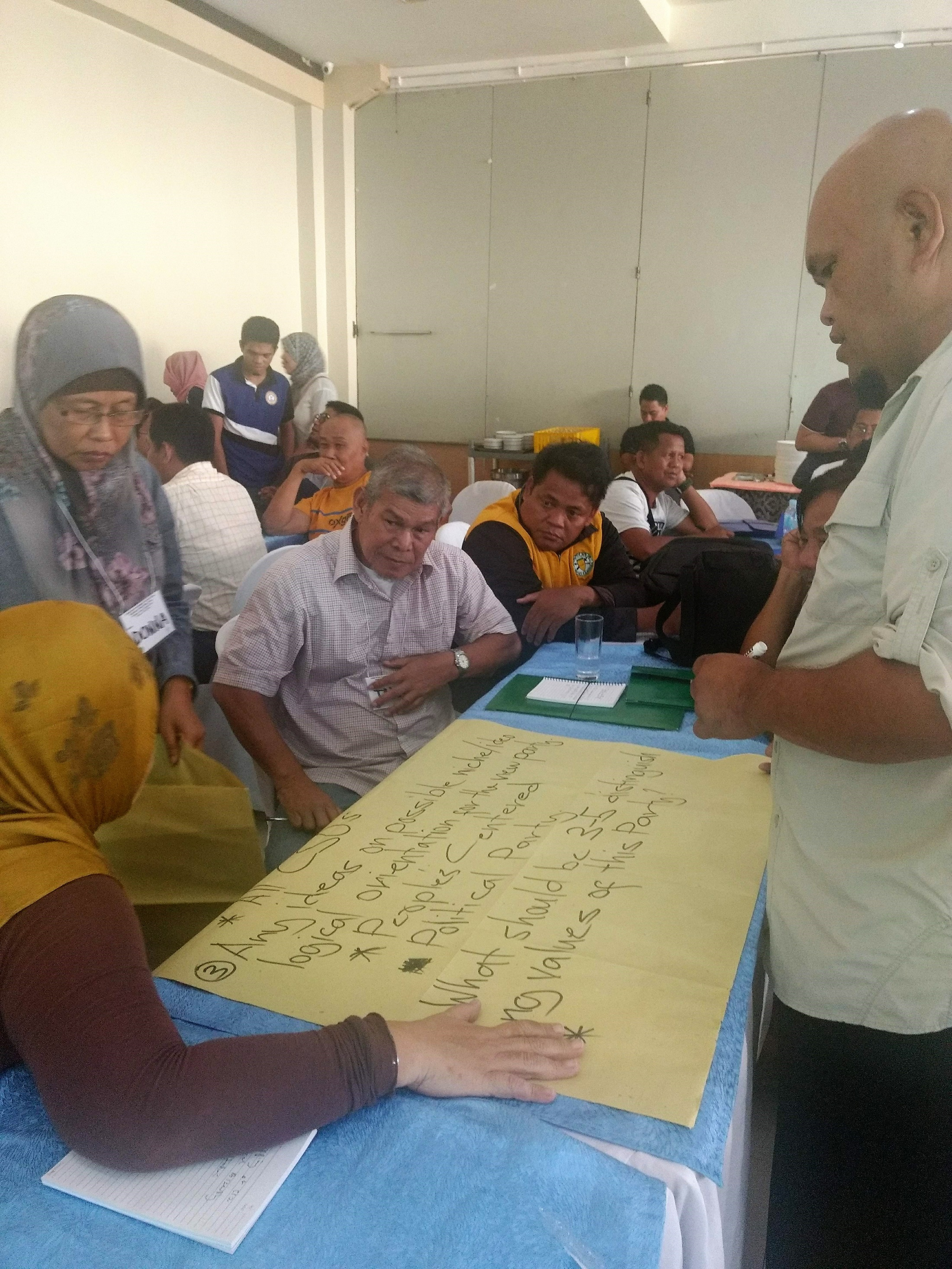 International IDEA and the Consortium of Bangsamoro Civil Society facilitated a workshop on strategic planning for political parties for various civil society groups in Bangsamoro in support of the BARMM transition in October 2019. The participants brainstormed on an action plan for establishing regional political parties in Bangsamoro.  Photo credit: International IDEA