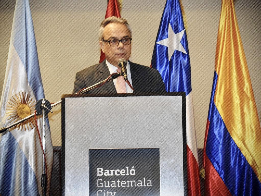 Director para Latinoamérica y el Caribe de IDEA Internacional, Dr. Daniel Zovatto.