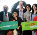 Autoridades del Tribunal Supremo Electoral (TSE) y personal de IDEA Internacional Bolivia durante el lanzamiento de CANDIDat@s.