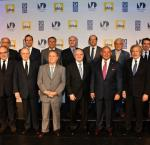 Dr Daniel Zovatto, Regional Director for Latin America and the Caribbean of International IDEA (far left), together with the group of former presidents and personalities who participated in the Second Presidential Dialogue: 'Towards the Reinvention of the Political Parties'.