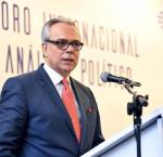 Dr Daniel Zovatto, Director Regional para América Latina y el Caribe de IDEA Internacional, durante su intervención en el VI Foro Internacional de Análisis Político. (Foto crédito: Prensa Fusades)