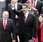 Diosdado Cabello y Nicolás Maduro durante la toma de posesión en 2013 en Venezuela