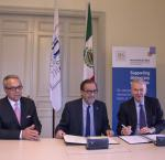 From left: Daniel Zovatto, International IDEA Regional Director for Latin America and the Caribbean; Agustín Gasca Pliego, Ambassador of Mexico to Sweden; and Yves Leterme, Secretary-General of International IDEA at a signing ceremony between Mexico and International IDEA on10 OCtober 2017.