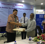 A token of appreciation from Chief Election Commissioner K. M. Nurul Huda to International IDEA team, Dhaka, Bangladesh, 17 May 2017 [Photo: Sead Alihodzic/International IDEA]